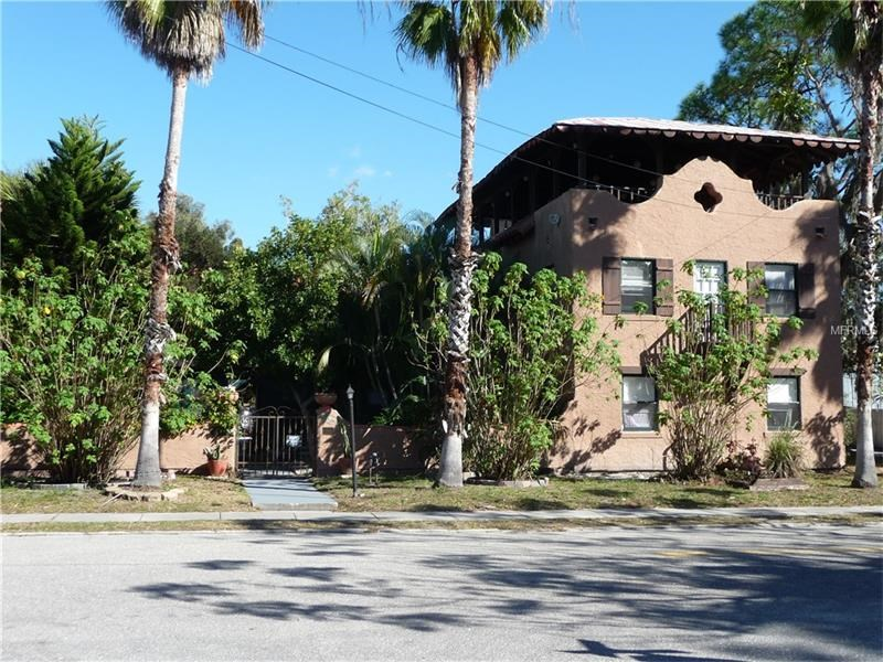 11 Unit Apartment Building For Sale In Sarasota, FL - $900,000